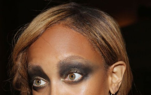 Make-Up Disaster: Tyra Banks goes For Smoky Eyes